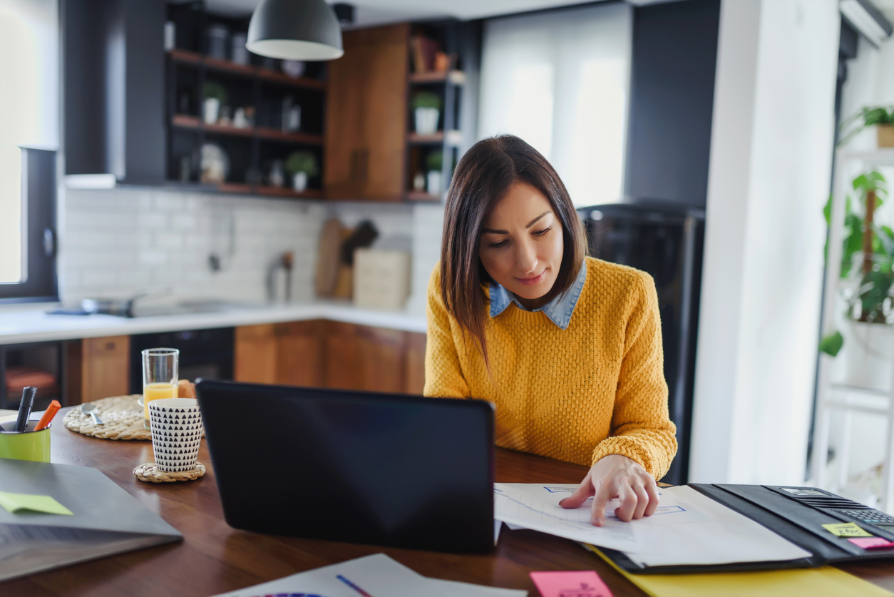 How to Conduct Performance Reviews Remotely